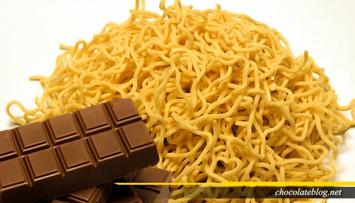 Hindari Memakan Cokelat Setelah Mie Instan